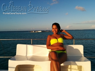 Caribbean Dream Sail Hot Gilr